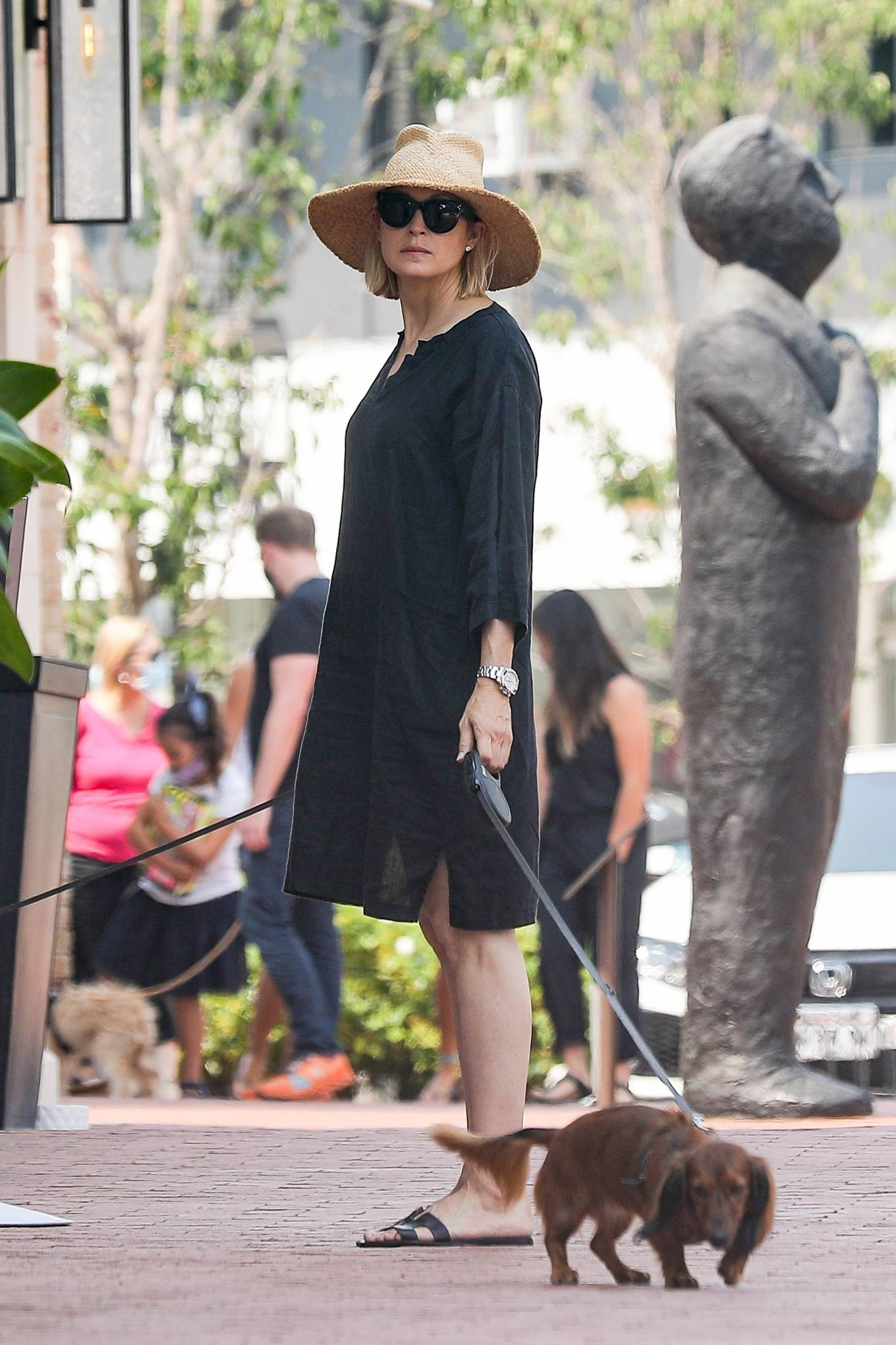 Kelly Rutherford 2020 : Kelly Rutherford – Shopping candids in Pacific Palisades-02