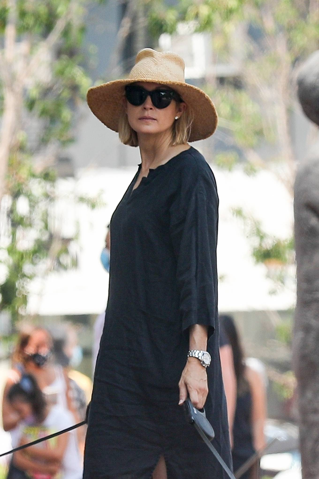 Kelly Rutherford 2020 : Kelly Rutherford – Shopping candids in Pacific Palisades-06