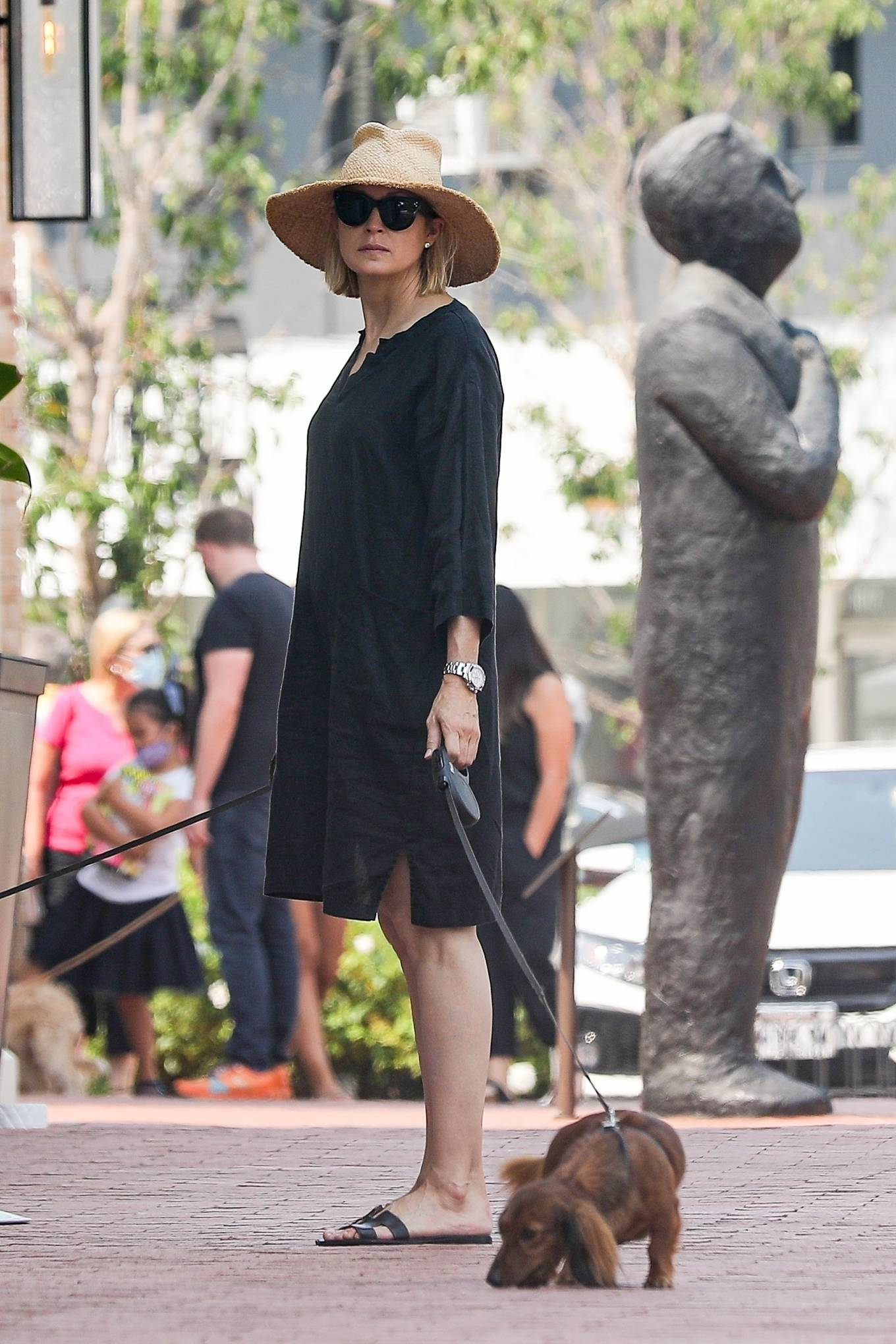 Kelly Rutherford - Shopping candids in Pacific Palisades