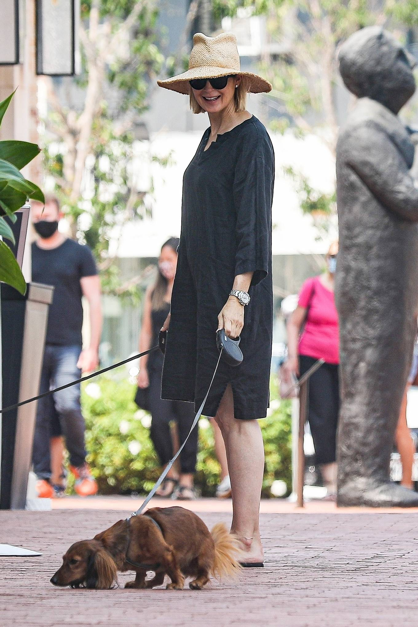Kelly Rutherford 2020 : Kelly Rutherford – Shopping candids in Pacific Palisades-10