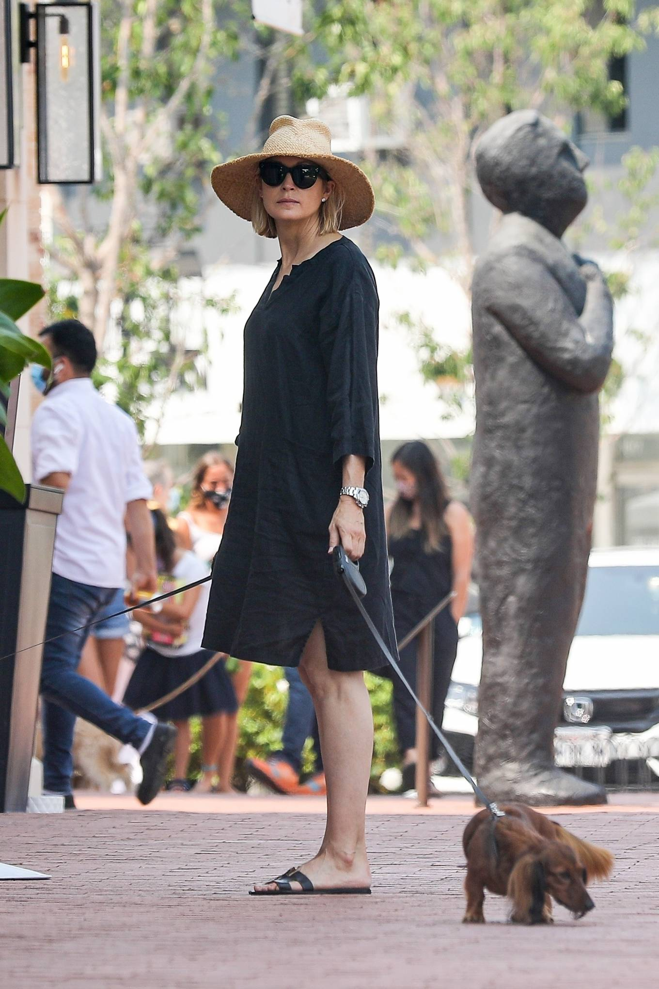 Kelly Rutherford 2020 : Kelly Rutherford – Shopping candids in Pacific Palisades-11