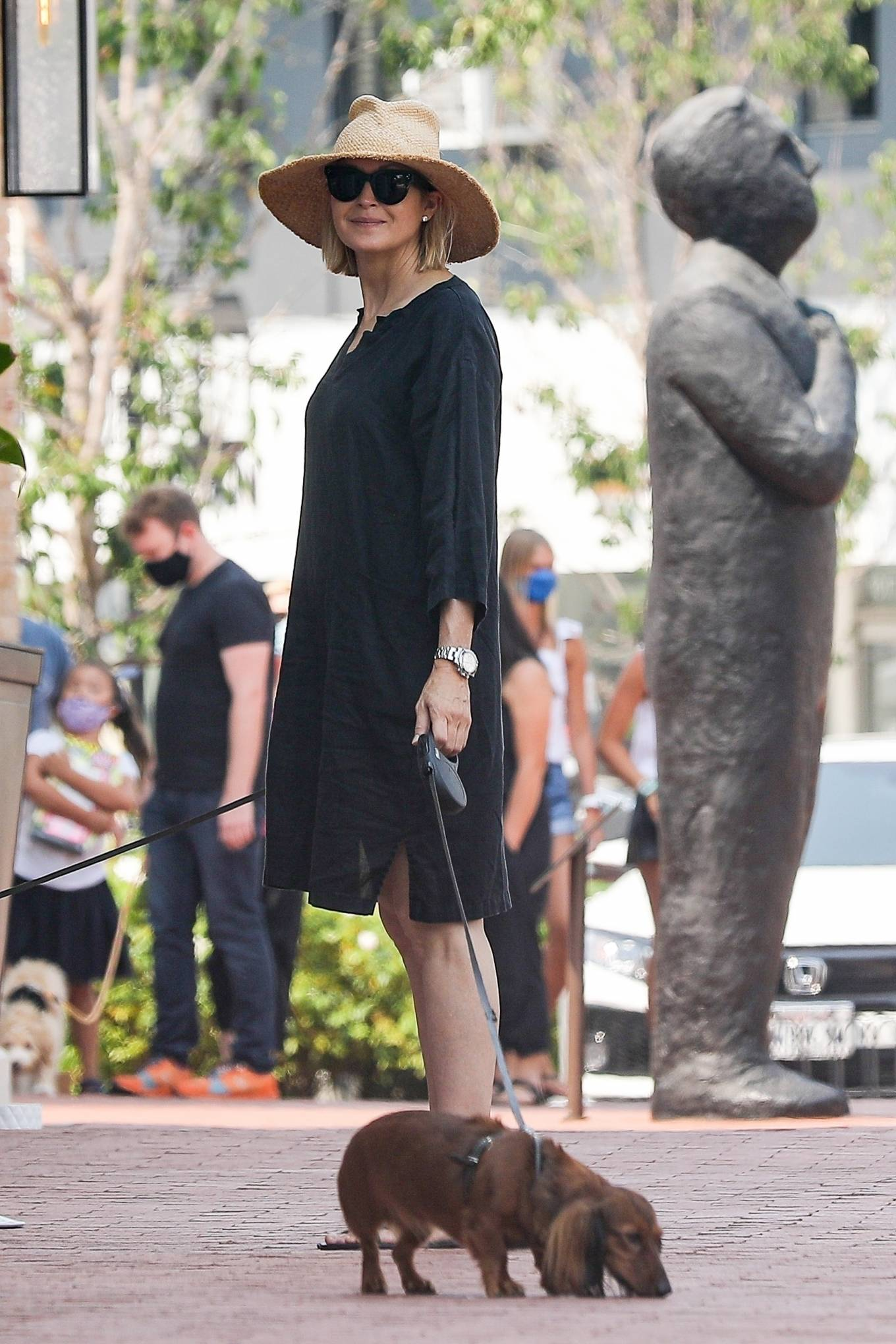 Kelly Rutherford 2020 : Kelly Rutherford – Shopping candids in Pacific Palisades-12