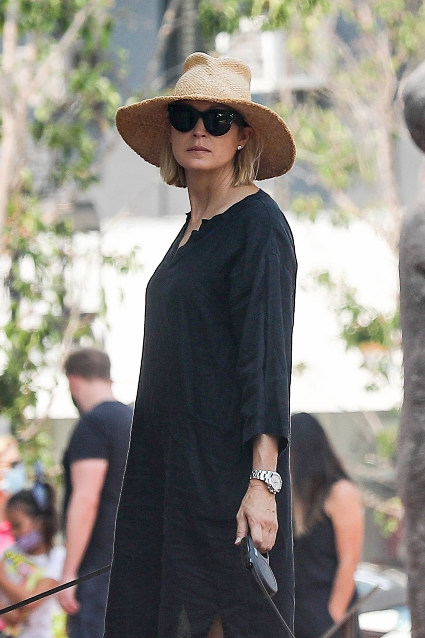 Kelly Rutherford 2020 : Kelly Rutherford – Shopping candids in Pacific Palisades-17