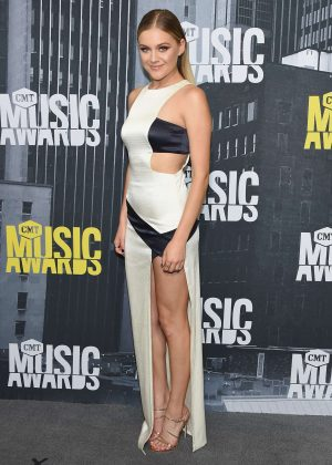Kelsea Ballerini - 2017 CMT Music Awards in Nashville