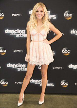 Kelsea Ballerini - 'Dancing With the Stars' Season Finale in Los Angeles