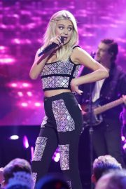 Kelsea Ballerini - Dick Clark's New Year's Rockin' Eve with Ryan Seacrest 2020 Hollywood Party