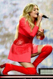 Kelsea Ballerini - Performs at her 'Miss Me More' Tour in Sioux City