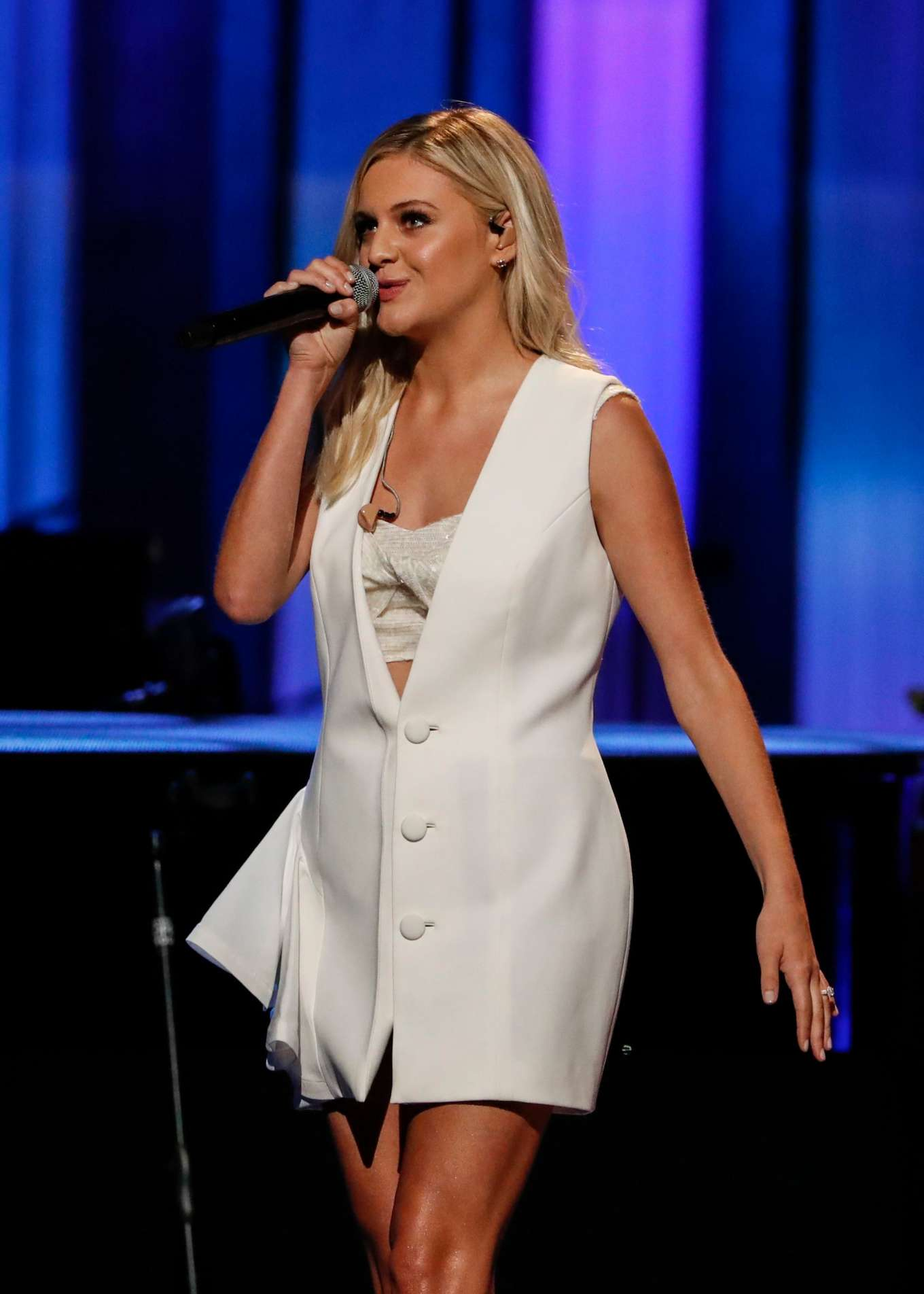 Kelsea Ballerini - Performs at the Grand Ole Opry in Nashville