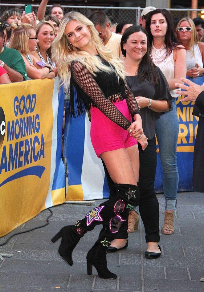 Kelsea Ballerini: Performs Her Single Peter Pan at Good Morning America -08