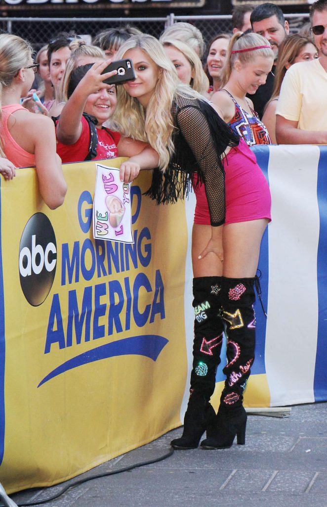 Kelsea Ballerini: Performs Her Single Peter Pan at Good Morning America -25