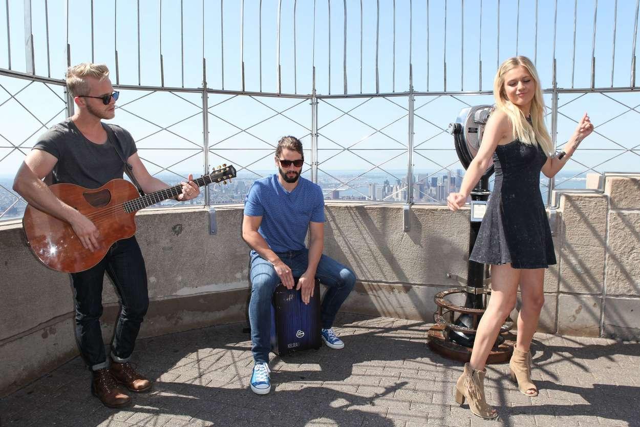 Kelsea Ballerini 2015 : Kelsea Ballerini visits the Empire State Building -07