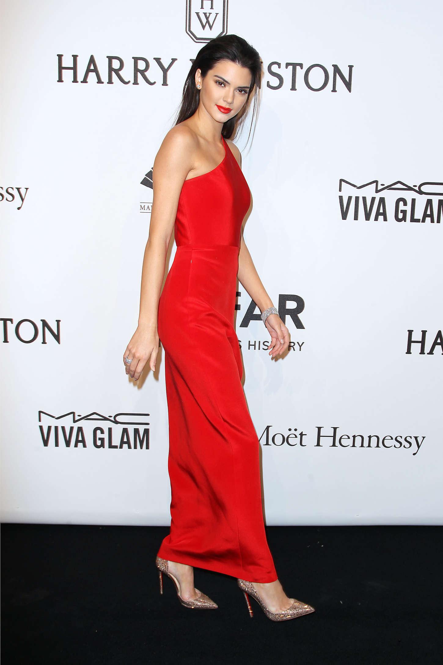 Kendall Jenner 2015 Amfar New York Gala 06 Gotceleb