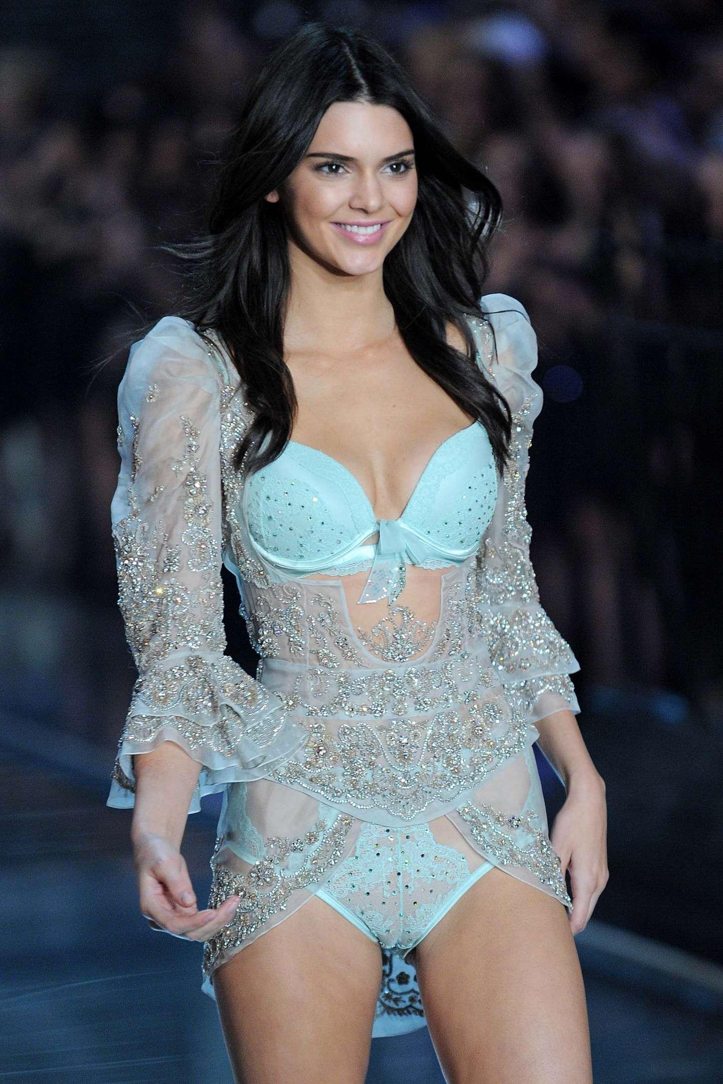 Victoria S Secret Fashion Show Full Hd