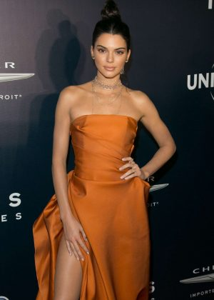 Kendall Jenner - 2017 Universal, NBC, Focus Features and E! Golden Globes Party in LA