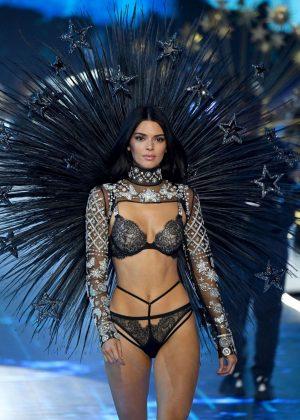 Victoria S Fashion Show