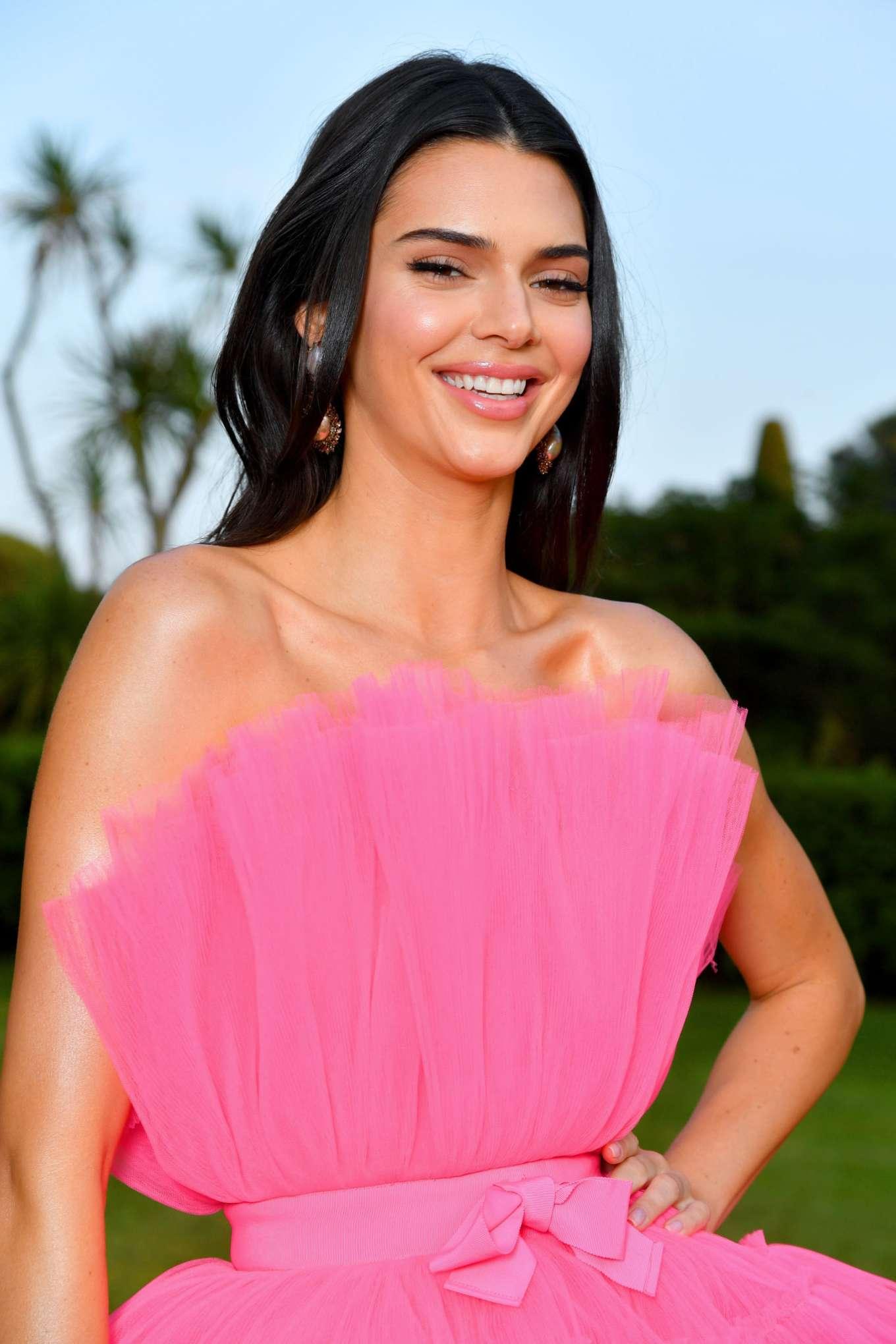 Kendall Jenner 2019 : Kendall Jenner: amfARs 2019 Cinema Against AIDS Gala-19