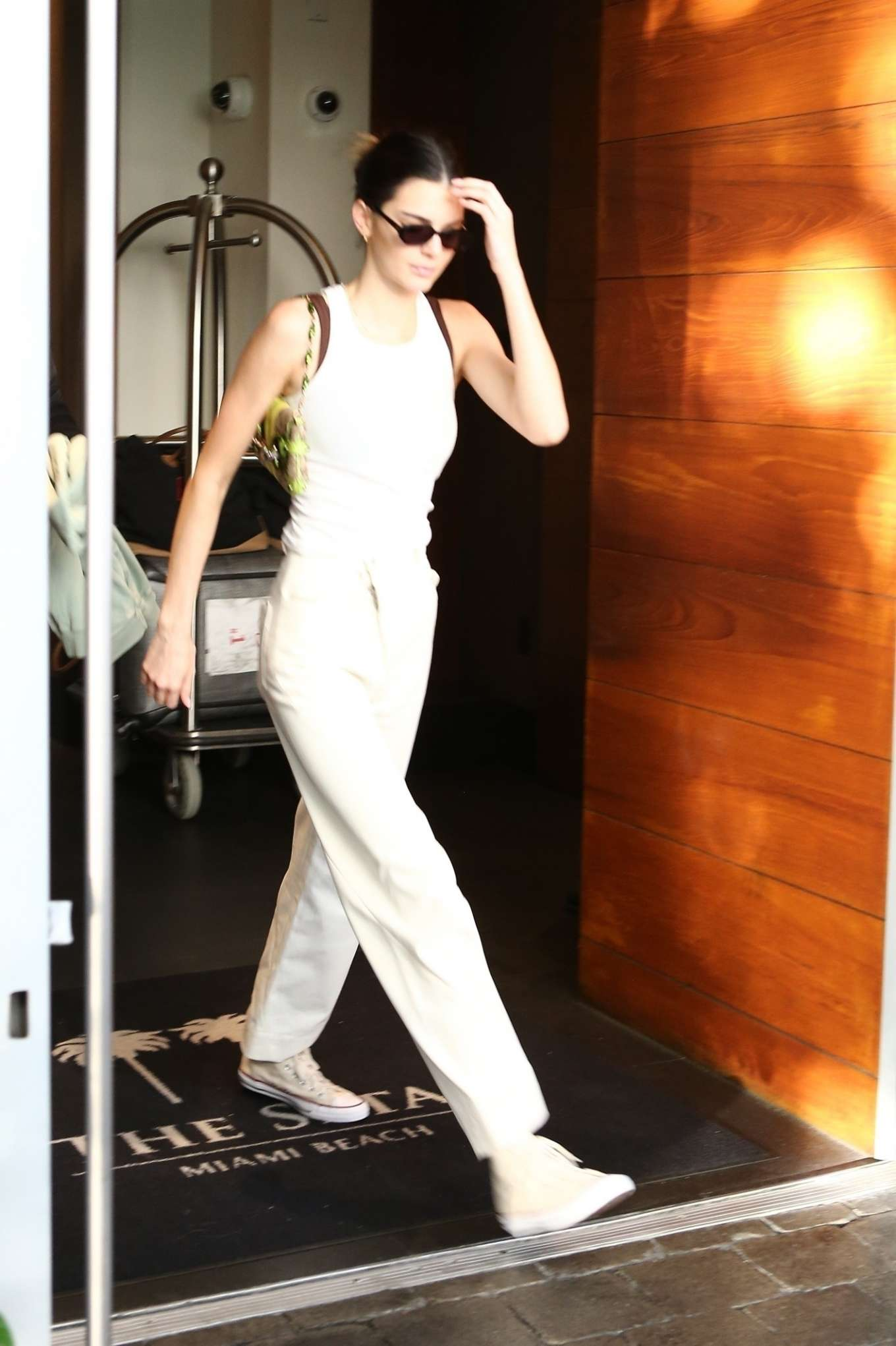 Kendall Jenner 2020 : Kendall Jenner and boyfriend Ben Simmons – Out in Miami-04