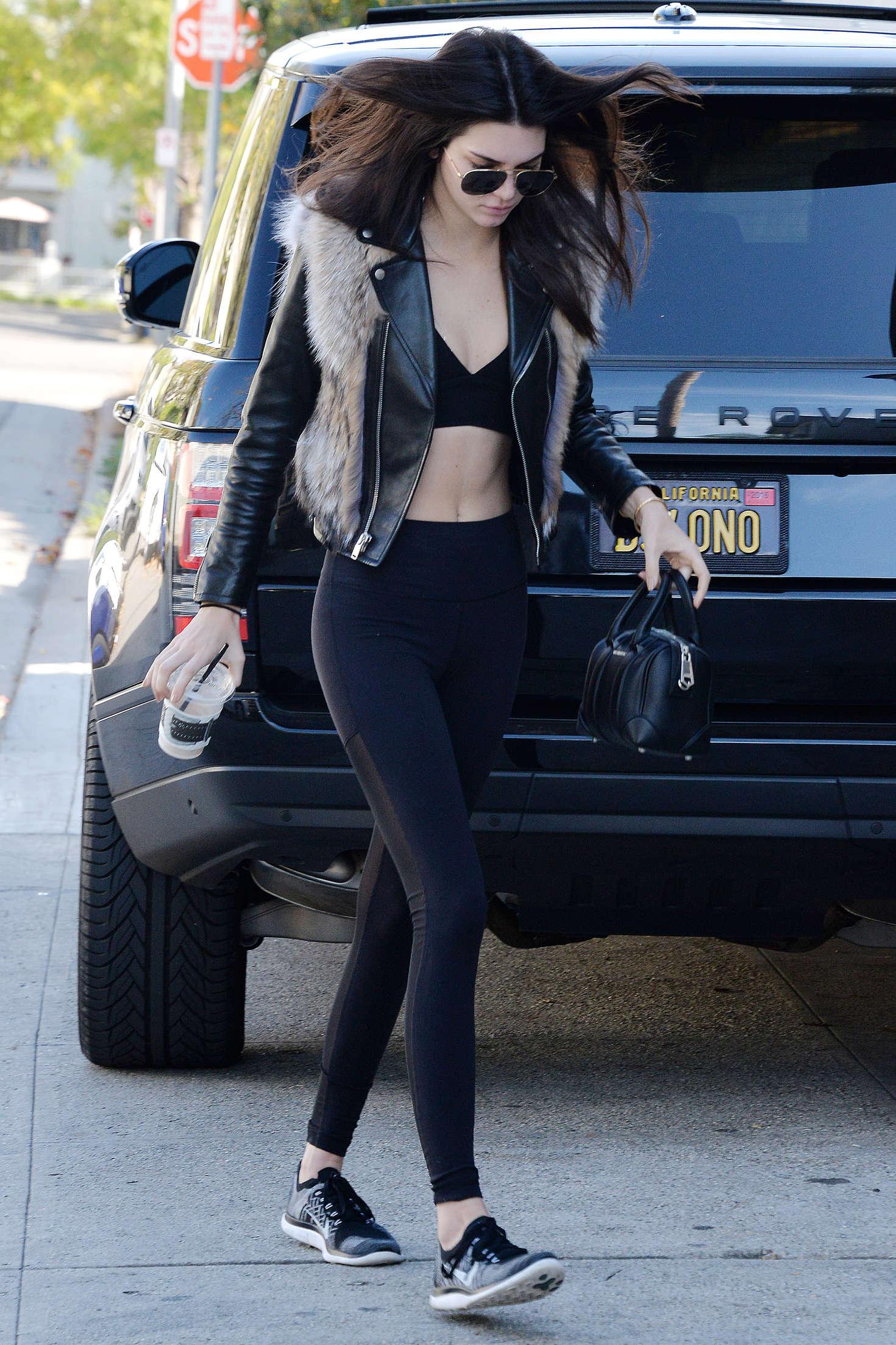 Kendall Jenner 2016 : Kendall Jenner in Leggings -18