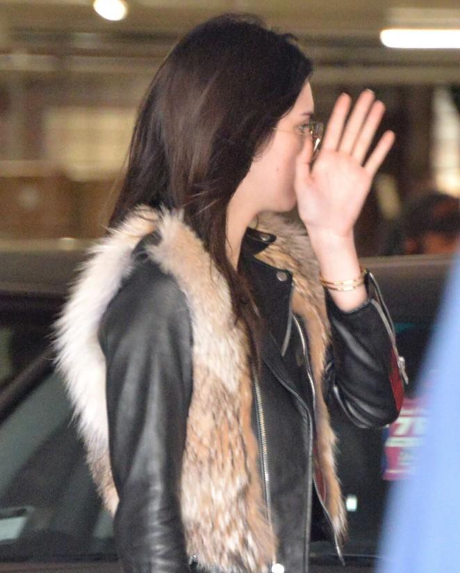 Kendall Jenner in Leggings -36