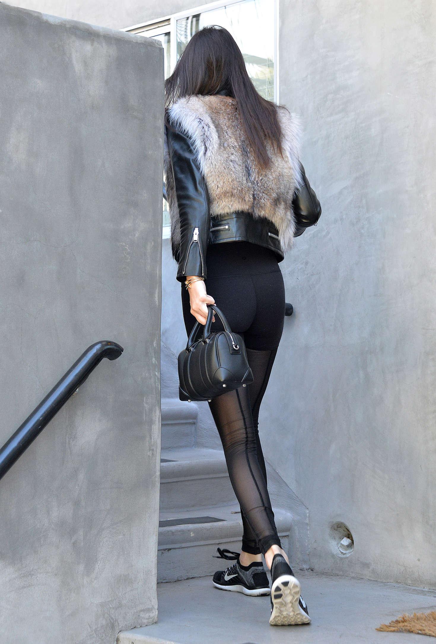 Kendall Jenner 2016 : Kendall Jenner in Leggings -40