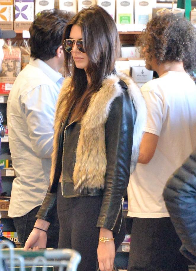 Kendall Jenner in Leggings -50