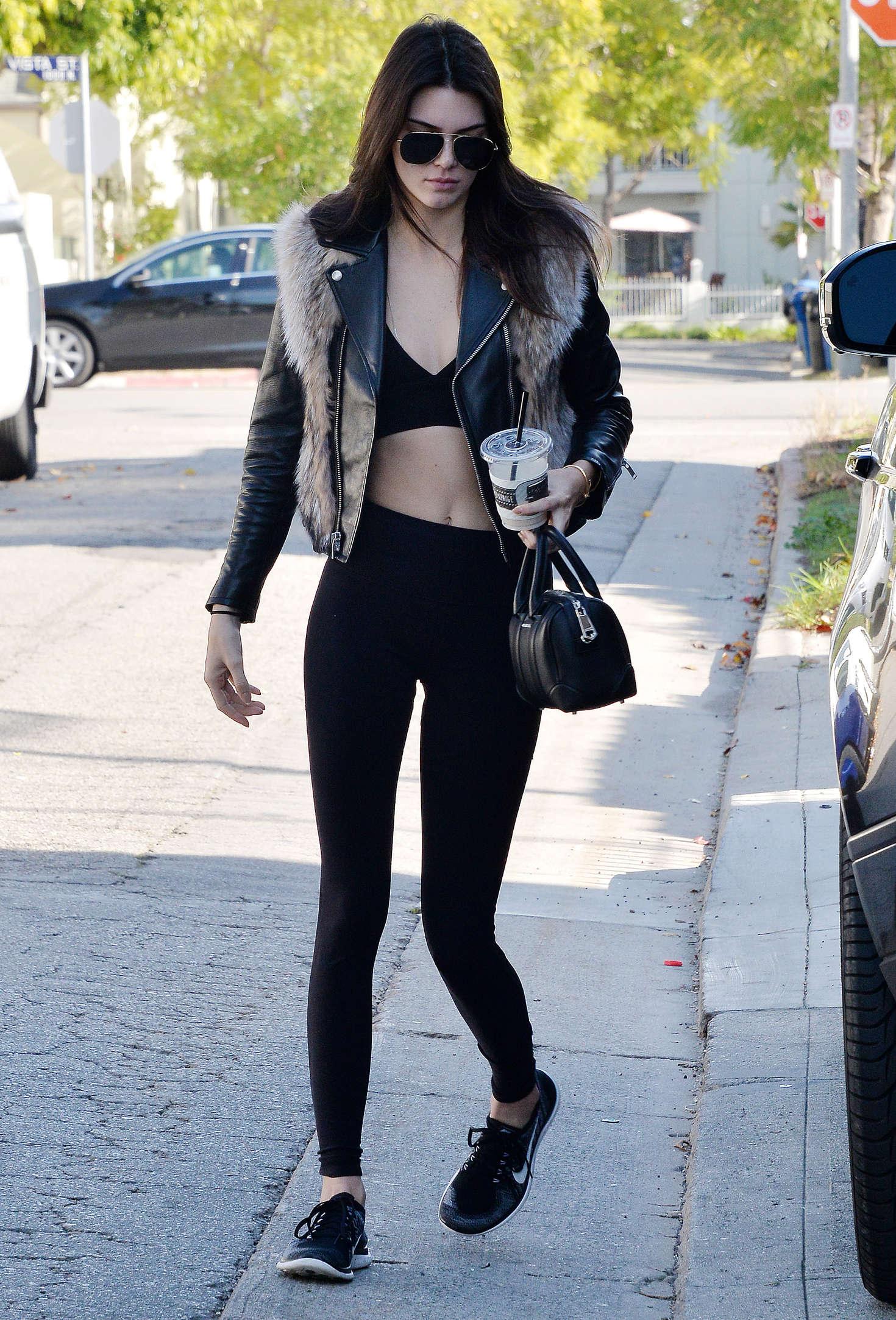 Kendall Jenner 2016 : Kendall Jenner in Leggings -52