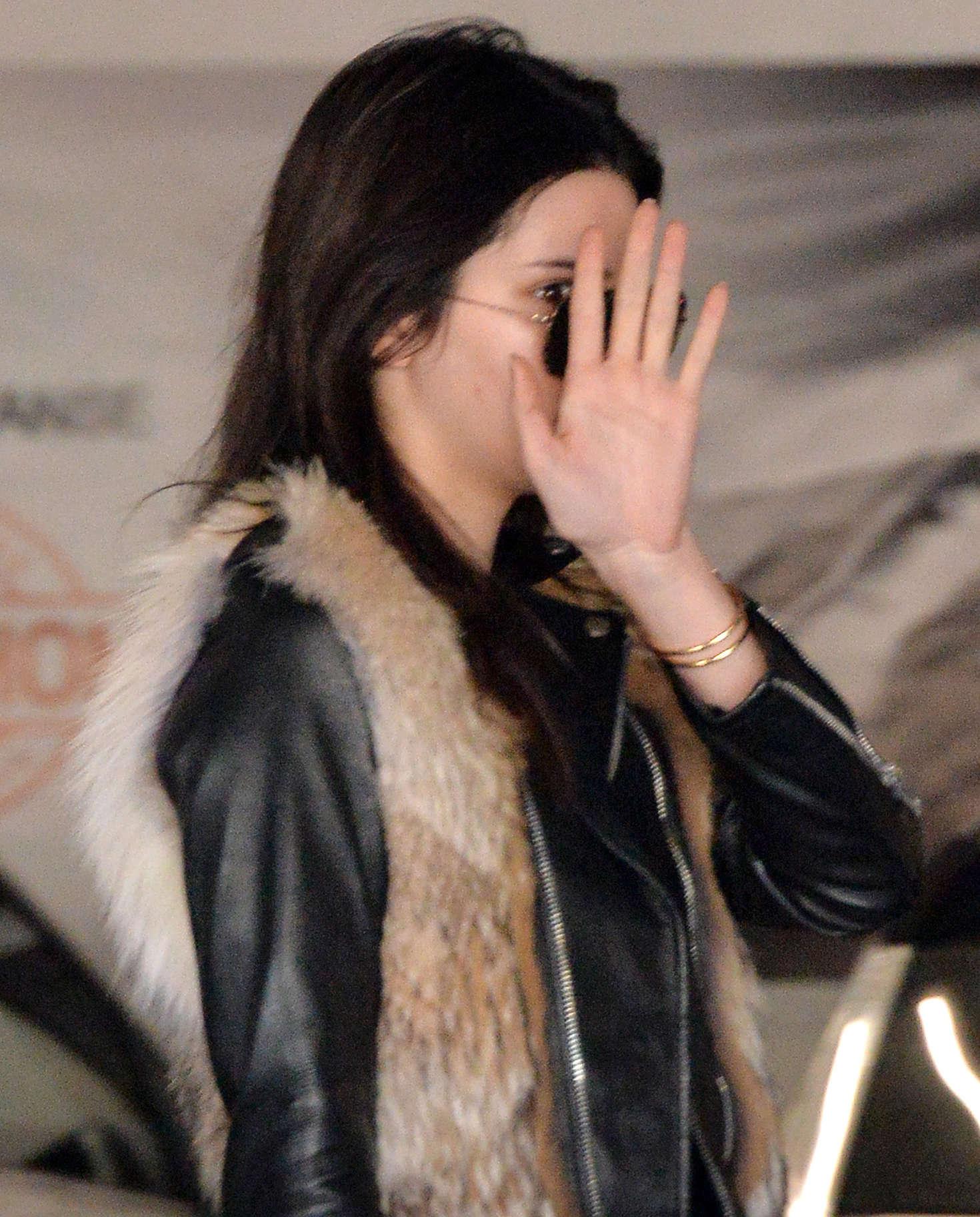 Kendall Jenner 2016 : Kendall Jenner in Leggings -53