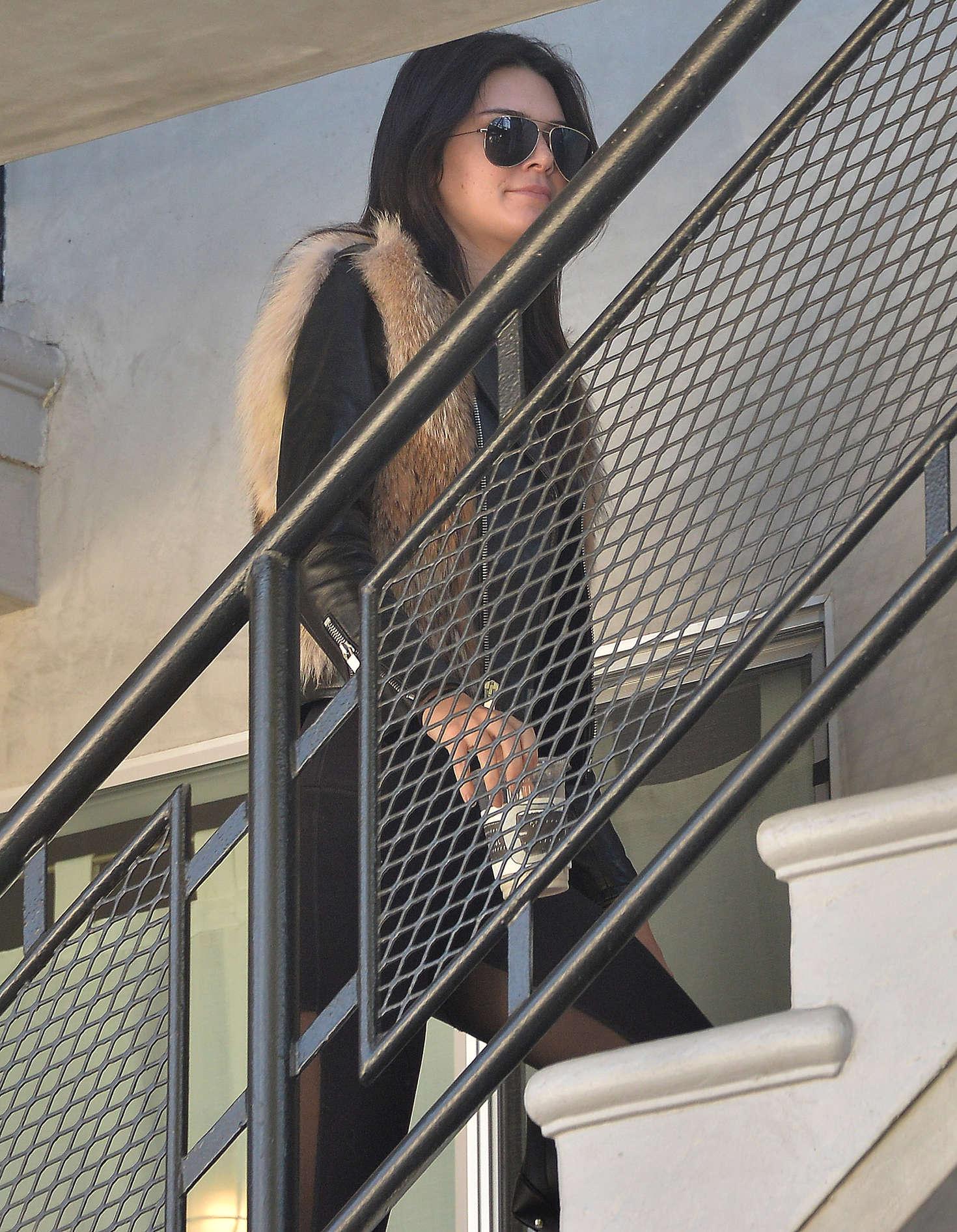Kendall Jenner 2016 : Kendall Jenner in Leggings -61