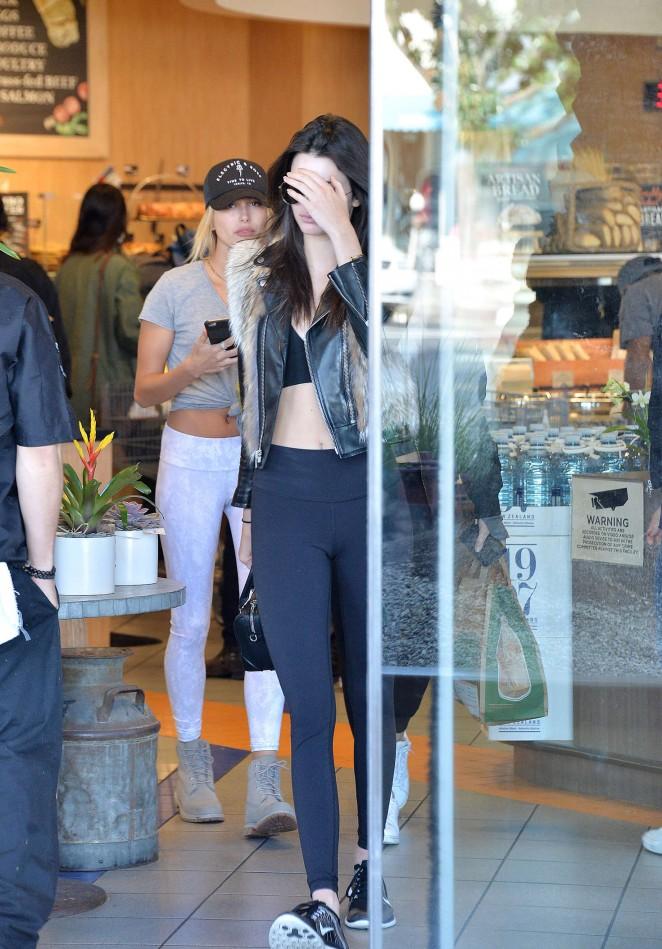 Kendall Jenner 2016 : Kendall Jenner in Leggings -68