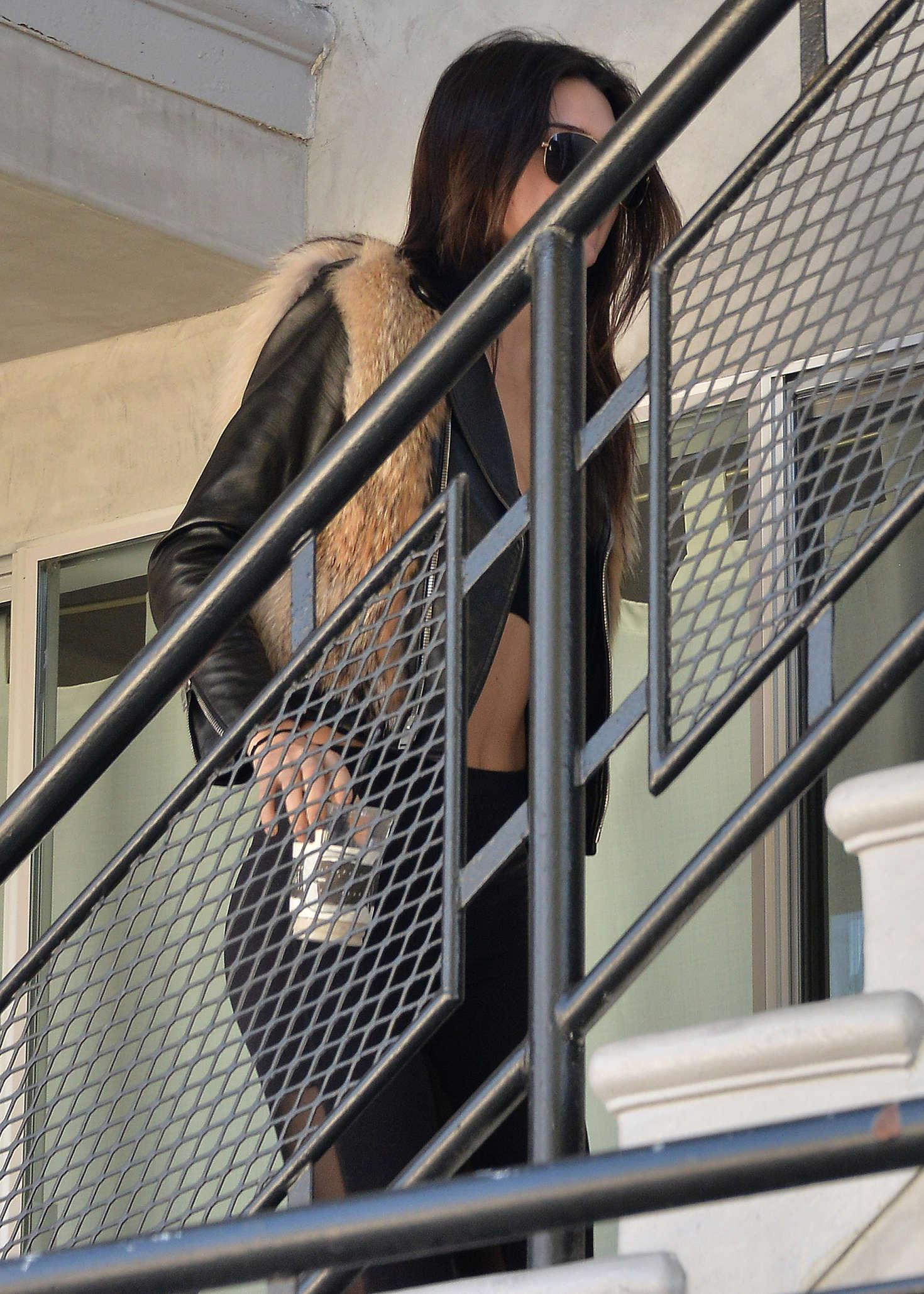Kendall Jenner 2016 : Kendall Jenner in Leggings -73