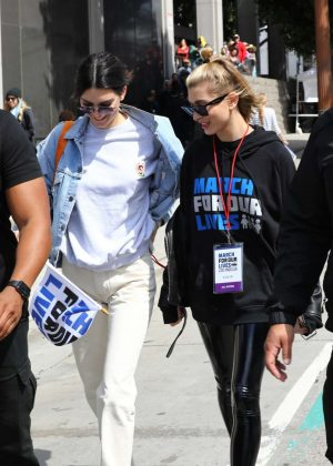 Kendall Jenner and Hailey Baldwin - March at the anti-gun 'March For Our Lives' in LA