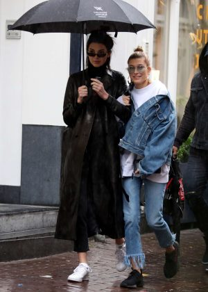 Kendall Jenner and Hailey Baldwin - Shopping in the rain in Amsterdam