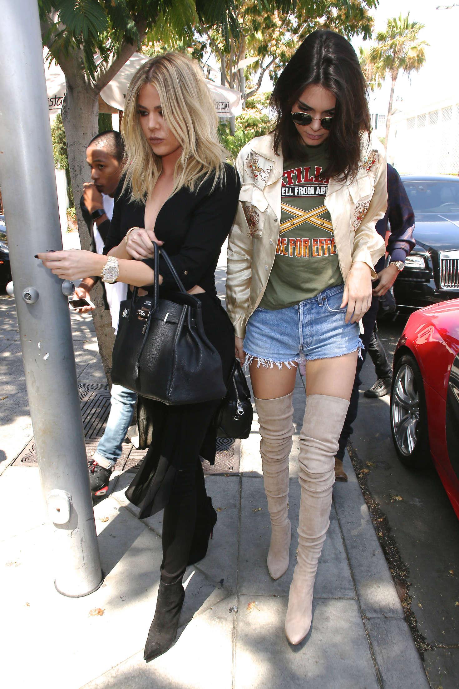 Kendall jenner khloe amp kourtney kardashian must see