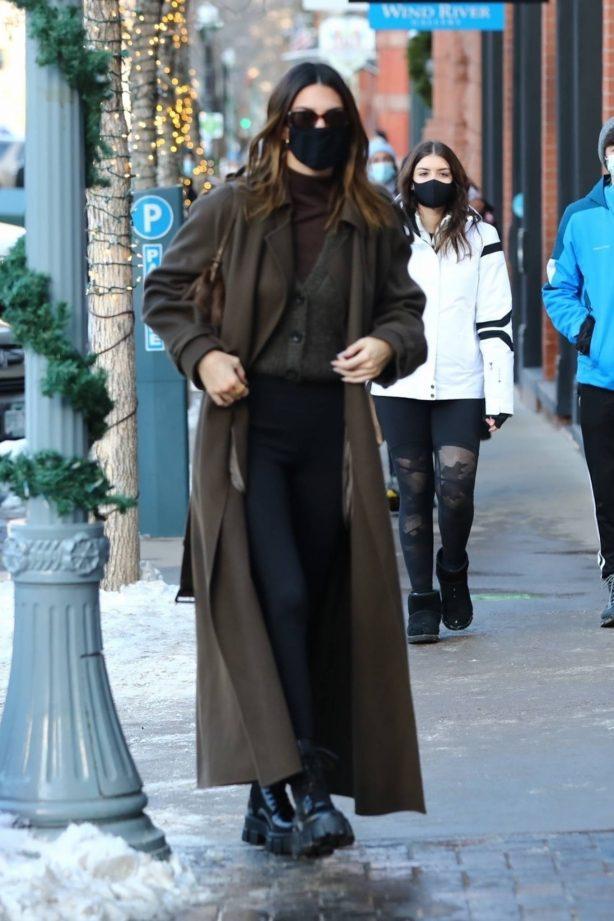 Kendall Jenner and Kylie Jenner - Shopping candids at Ralph Lauren in Aspen