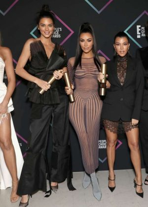 Kendall Jenner and The Kardashians - People's Choice Awards 2018 in Santa Monica