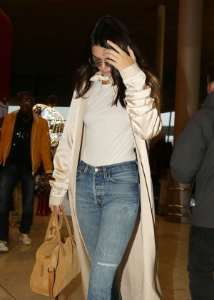 Kendall Jenner - Arrives at CDG Airport in Paris
