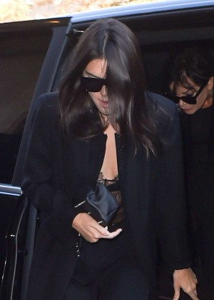 Kendall Jenner - Arrives at George V Hotel in NY