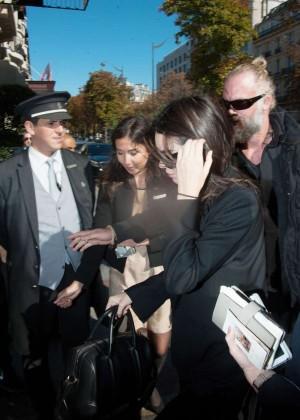 Kendall Jenner: Arrives at George V Hotel -08