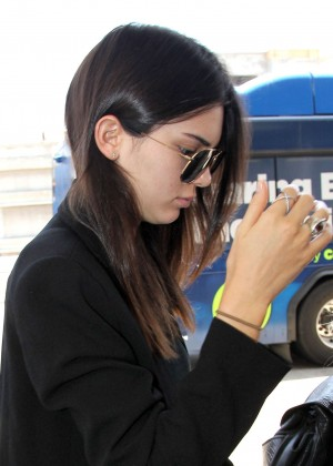 Kendall Jenner - Arrives at LAX airport in LA