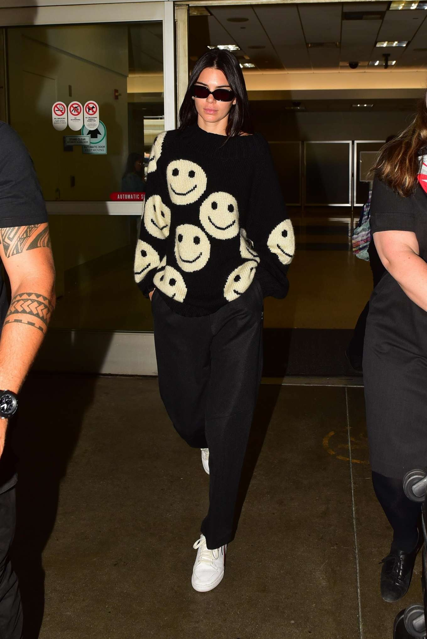 Kendall Jenner 2019 : Kendall Jenner – Arrives at LAX International Airport-02