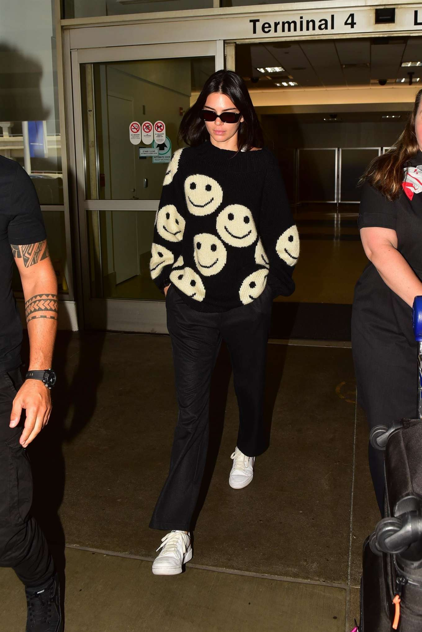 Kendall Jenner 2019 : Kendall Jenner – Arrives at LAX International Airport-03