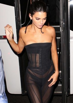 Kendall Jenner - Arriving at 1OAK in NYC