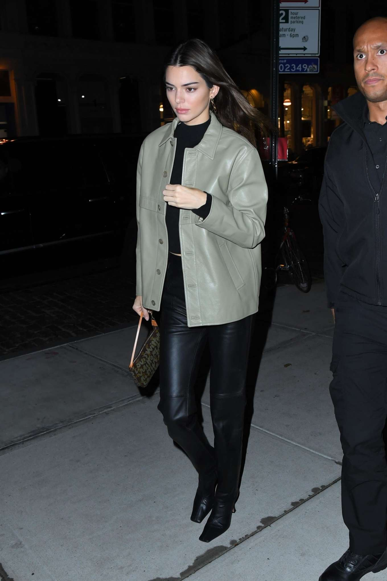 Kendall Jenner 2019 : Kendall Jenner – Arriving at Gigi Hadids house in NYC-16