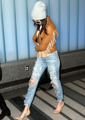 Kendall Jenner - Arriving at LAX airport in Los Angeles