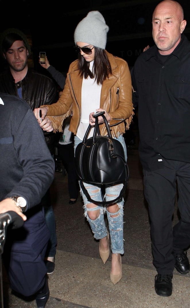 Kendall Jenner 2015 : Kendall Jenner in Ripped jeans LAX -33