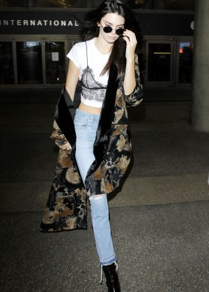Kendall Jenner - Arriving at Los Angeles International Airport