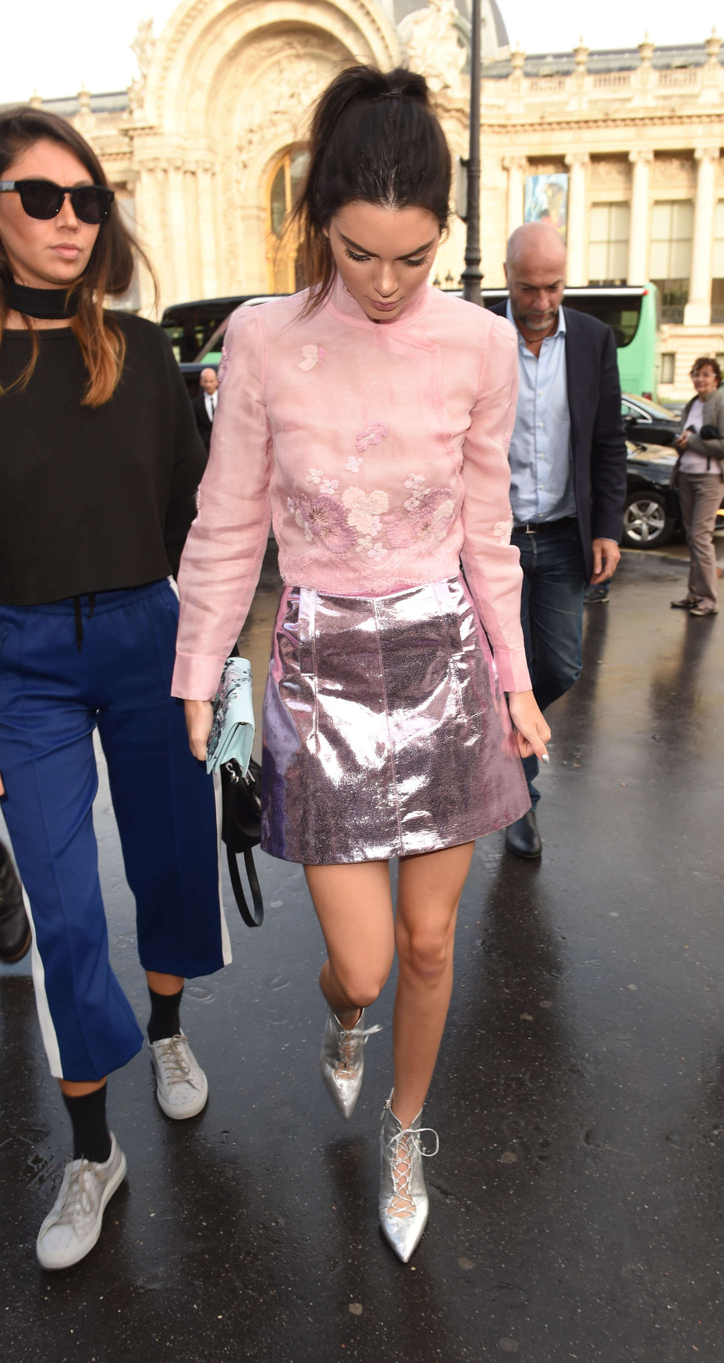 Kendall Jenner 2015 : Kendall Jenner: Arriving at Shiatz Chen Fashion Show -02