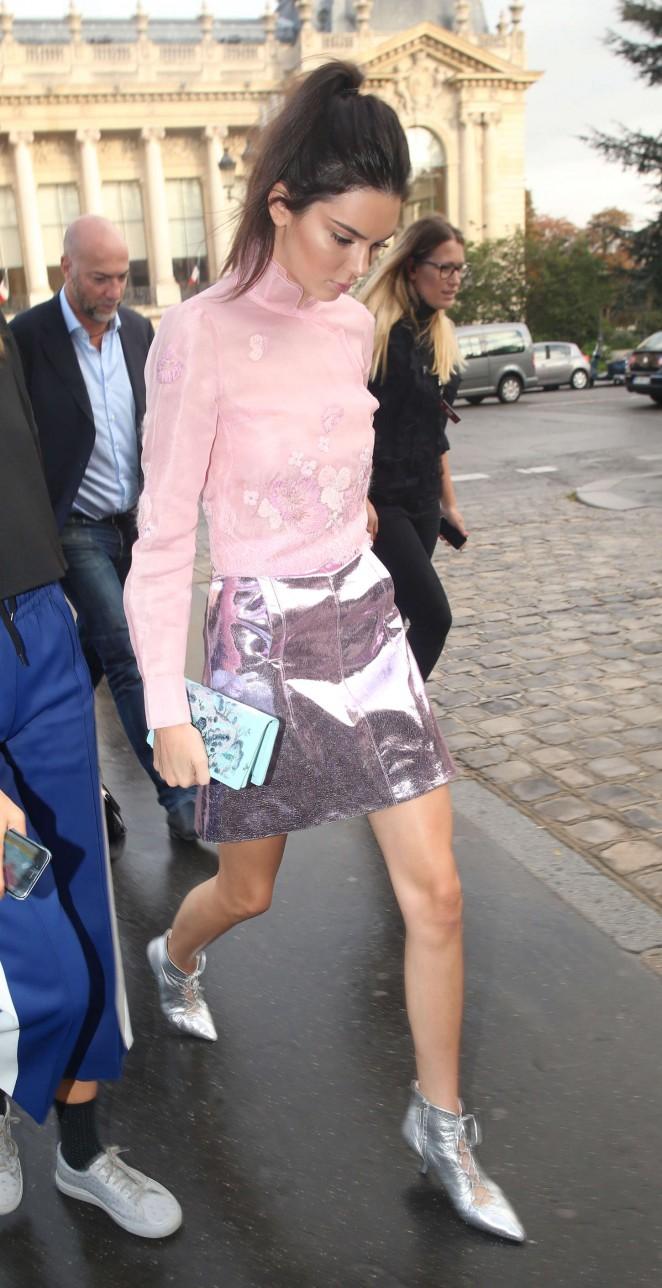 Kendall Jenner 2015 : Kendall Jenner: Arriving at Shiatz Chen Fashion Show -07