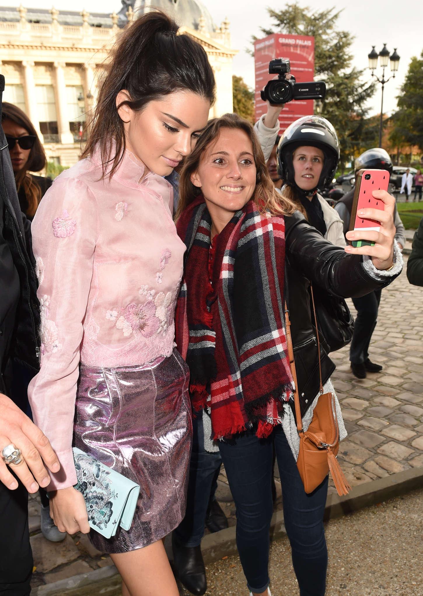 Kendall Jenner 2015 : Kendall Jenner: Arriving at Shiatz Chen Fashion Show -09