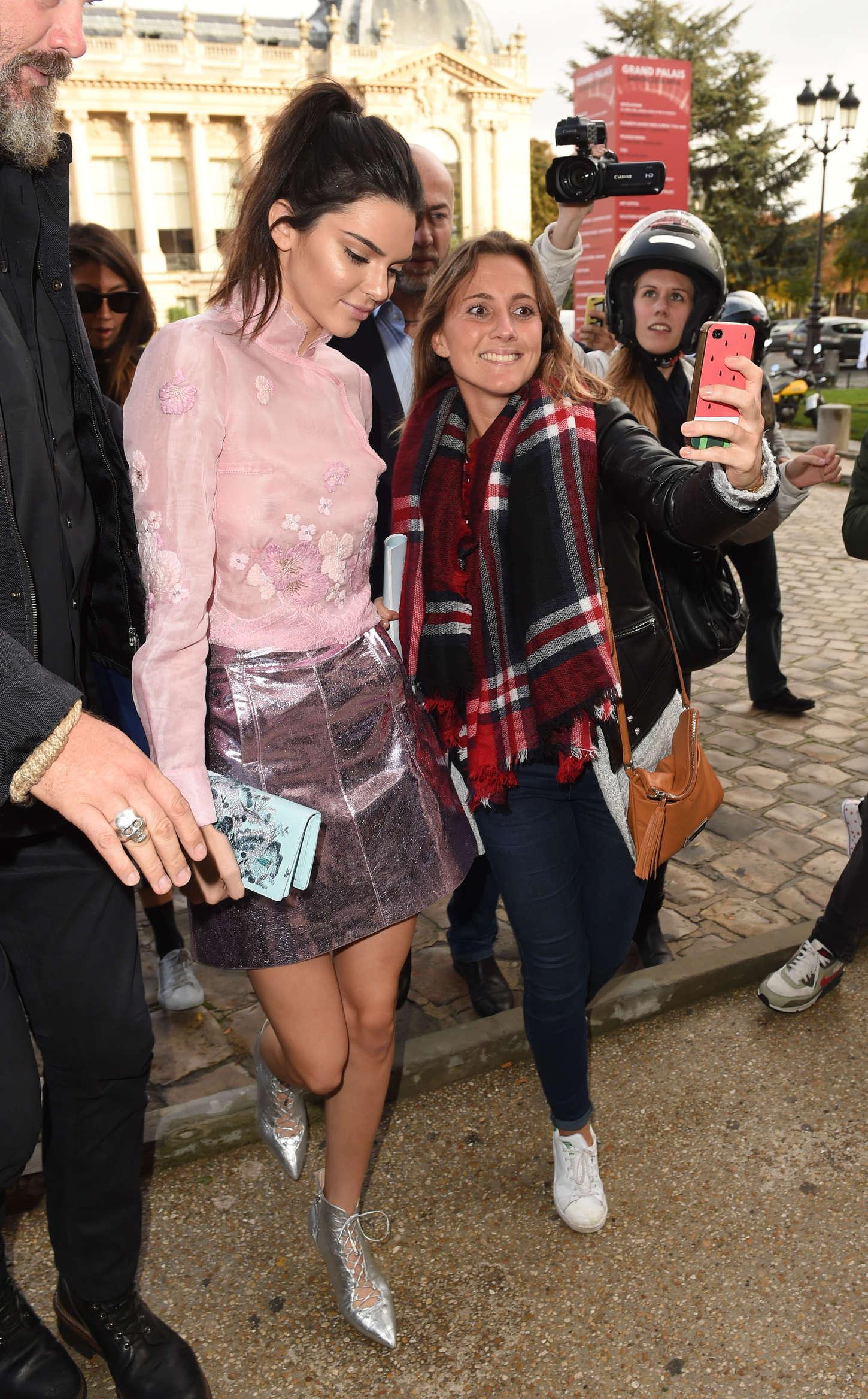 Kendall Jenner 2015 : Kendall Jenner: Arriving at Shiatz Chen Fashion Show -10